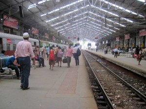 Mumbai-Local-Trains-BM-800