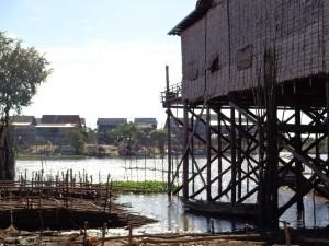 Kampong Khleang buildings (Photo: Amy Huang)
