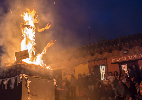 Burning Of The Devil In Guatemala In The Know Traveler
